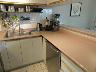 """Photo 2: 203 3 N GARDEN Drive in Vancouver: Hastings Condo for sale in """"3 NORTH GARDEN COURT"""" (Vancouver East)  : MLS®# R2123643"""