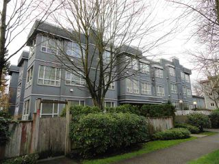 """Photo 1: 203 3 N GARDEN Drive in Vancouver: Hastings Condo for sale in """"3 NORTH GARDEN COURT"""" (Vancouver East)  : MLS®# R2123643"""