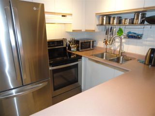 """Photo 3: 203 3 N GARDEN Drive in Vancouver: Hastings Condo for sale in """"3 NORTH GARDEN COURT"""" (Vancouver East)  : MLS®# R2123643"""