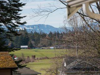Photo 2: 760 Highwood Dr in COMOX: CV Comox (Town of) House for sale (Comox Valley)  : MLS®# 752157