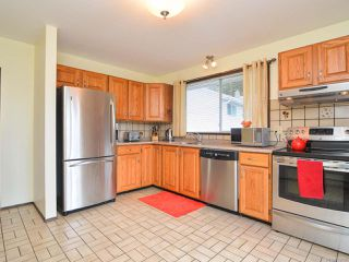 Photo 7: 760 Highwood Dr in COMOX: CV Comox (Town of) House for sale (Comox Valley)  : MLS®# 752157