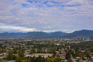 Photo 11: 2408 4508 HAZEL Street in Burnaby: Metrotown Condo for sale (Burnaby South)  : MLS®# R2145492