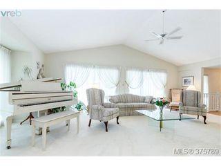 Photo 4: 4459 Autumnwood Lane in VICTORIA: SE Broadmead House for sale (Saanich East)  : MLS®# 754384