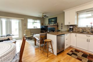 Photo 11: 21583 93B Avenue in Langley: Walnut Grove House for sale : MLS®# R2160482