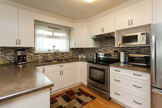 Photo 9: 21583 93B Avenue in Langley: Walnut Grove House for sale : MLS®# R2160482