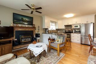 Photo 13: 21583 93B Avenue in Langley: Walnut Grove House for sale : MLS®# R2160482