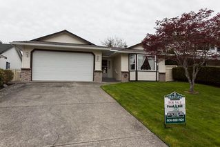 Photo 1: 21583 93B Avenue in Langley: Walnut Grove House for sale : MLS®# R2160482