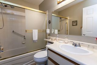 Photo 16: 21583 93B Avenue in Langley: Walnut Grove House for sale : MLS®# R2160482