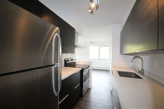 "Photo 3: 301 2190 W 8TH Avenue in Vancouver: Kitsilano Condo for sale in ""Westwood Villa"" (Vancouver West)  : MLS®# R2162145"