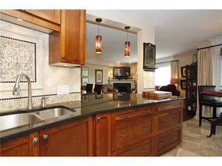 Photo 1: 305 15150 29A Ave in South Surrey White Rock: Home for sale : MLS®# F1410006