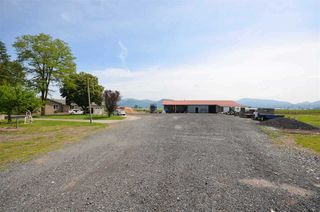 Photo 18: 5038 RIVERSIDE Street in Abbotsford: Matsqui House for sale : MLS®# R2217761