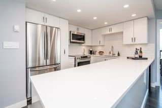 """Photo 15: 1107 10899 UNIVERSITY Drive in Surrey: Whalley Condo for sale in """"Observatory"""" (North Surrey)  : MLS®# R2218744"""