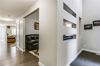 Photo 3: 325 Saddlecrest Way NE in Calgary: Saddle Ridge House  : MLS®# C4149874