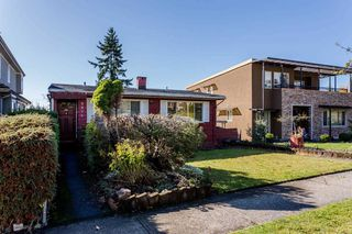 Photo 4: 2276 BURQUITLAM Drive in Vancouver: Fraserview VE House for sale (Vancouver East)  : MLS®# R2231178