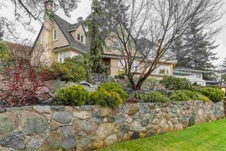 Main Photo: 939 YOUNETTE Drive in West Vancouver: Sentinel Hill House for sale : MLS®# R2236545