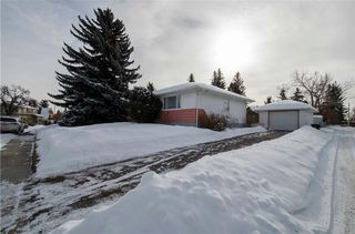 Photo 2: 4515 19 Avenue SW in Calgary: Glendale House for sale : MLS®# C4166580