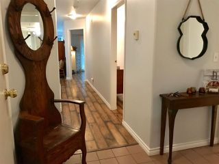 "Photo 2: 102 210 CARNARVON Street in New Westminster: Downtown NW Condo for sale in ""HILLSIDE HEIGHTS"" : MLS®# R2251837"