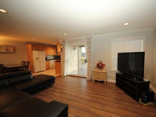 Photo 3: A 1042 CHARLAND Avenue in Coquitlam: Central Coquitlam House 1/2 Duplex for sale : MLS®# R2257385