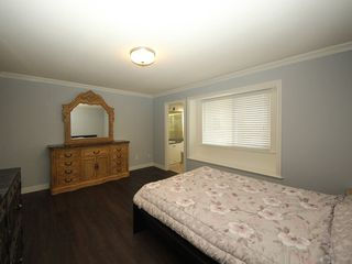 Photo 9: A 1042 CHARLAND Avenue in Coquitlam: Central Coquitlam House 1/2 Duplex for sale : MLS®# R2257385