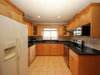 Photo 6: A 1042 CHARLAND Avenue in Coquitlam: Central Coquitlam House 1/2 Duplex for sale : MLS®# R2257385