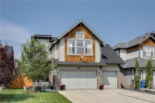 Photo 1: 291 TREMBLANT Way SW in Calgary: Springbank Hill Detached for sale : MLS®# C4199426