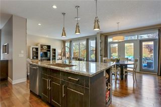 Photo 7: 291 TREMBLANT Way SW in Calgary: Springbank Hill Detached for sale : MLS®# C4199426
