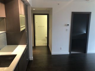 "Photo 7: 607 68 SMITHE Street in Vancouver: Downtown VW Condo for sale in ""FALSE CREEK\VW"" (Vancouver West)  : MLS®# R2311048"