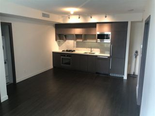 "Photo 5: 607 68 SMITHE Street in Vancouver: Downtown VW Condo for sale in ""FALSE CREEK\VW"" (Vancouver West)  : MLS®# R2311048"