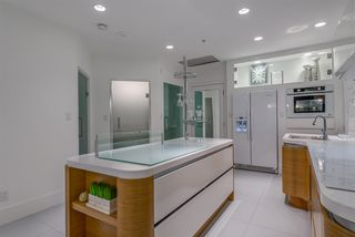 """Photo 7: 203 1177 HORNBY Street in Vancouver: Downtown VW Condo for sale in """"LONDON PLACE"""" (Vancouver West)  : MLS®# R2318752"""