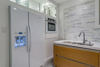 """Photo 9: 203 1177 HORNBY Street in Vancouver: Downtown VW Condo for sale in """"LONDON PLACE"""" (Vancouver West)  : MLS®# R2318752"""