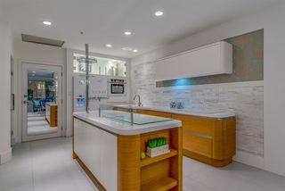 """Photo 6: 203 1177 HORNBY Street in Vancouver: Downtown VW Condo for sale in """"LONDON PLACE"""" (Vancouver West)  : MLS®# R2318752"""
