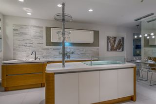 """Photo 8: 203 1177 HORNBY Street in Vancouver: Downtown VW Condo for sale in """"LONDON PLACE"""" (Vancouver West)  : MLS®# R2318752"""