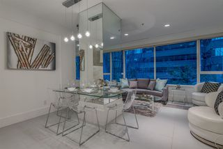 """Photo 2: 203 1177 HORNBY Street in Vancouver: Downtown VW Condo for sale in """"LONDON PLACE"""" (Vancouver West)  : MLS®# R2318752"""