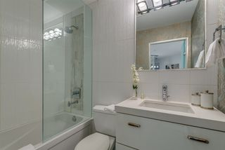 """Photo 12: 203 1177 HORNBY Street in Vancouver: Downtown VW Condo for sale in """"LONDON PLACE"""" (Vancouver West)  : MLS®# R2318752"""