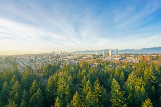 """Photo 3: 2402 6823 STATION HILL Drive in Burnaby: South Slope Condo for sale in """"BELVEDERE"""" (Burnaby South)  : MLS®# R2336774"""