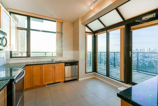 """Photo 12: 2402 6823 STATION HILL Drive in Burnaby: South Slope Condo for sale in """"BELVEDERE"""" (Burnaby South)  : MLS®# R2336774"""