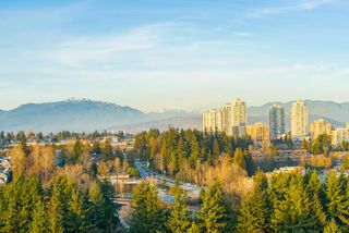 """Photo 4: 2402 6823 STATION HILL Drive in Burnaby: South Slope Condo for sale in """"BELVEDERE"""" (Burnaby South)  : MLS®# R2336774"""