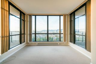 """Photo 11: 2402 6823 STATION HILL Drive in Burnaby: South Slope Condo for sale in """"BELVEDERE"""" (Burnaby South)  : MLS®# R2336774"""