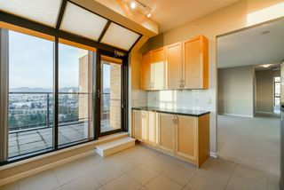 """Photo 14: 2402 6823 STATION HILL Drive in Burnaby: South Slope Condo for sale in """"BELVEDERE"""" (Burnaby South)  : MLS®# R2336774"""
