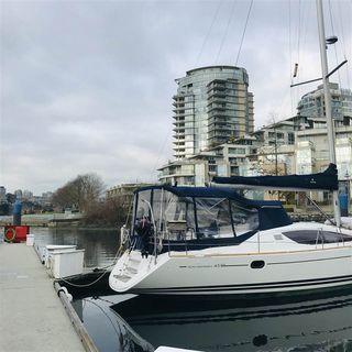 "Photo 8: 29 1088 MARINASIDE Crescent in Vancouver: Yaletown Condo for sale in ""QUAYSIDE MARINA"" (Vancouver West)  : MLS®# R2348250"