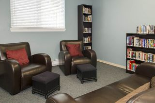 "Photo 14: 421 6707 SOUTHPOINT Drive in Burnaby: South Slope Condo for sale in ""MISSION WOODS"" (Burnaby South)  : MLS®# R2348752"