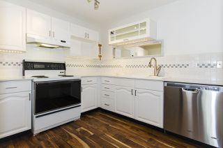 "Photo 3: 421 6707 SOUTHPOINT Drive in Burnaby: South Slope Condo for sale in ""MISSION WOODS"" (Burnaby South)  : MLS®# R2348752"