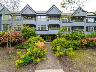 "Photo 1: 312 925 W 10TH Avenue in Vancouver: Fairview VW Condo for sale in ""LAUREL PLACE"" (Vancouver West)  : MLS®# R2357520"