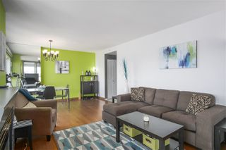"""Photo 9: 2602 183 KEEFER Place in Vancouver: Downtown VW Condo for sale in """"PARIS PLACE"""" (Vancouver West)  : MLS®# R2359164"""