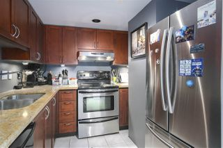 """Photo 11: 2602 183 KEEFER Place in Vancouver: Downtown VW Condo for sale in """"PARIS PLACE"""" (Vancouver West)  : MLS®# R2359164"""