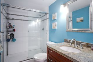 """Photo 15: 2602 183 KEEFER Place in Vancouver: Downtown VW Condo for sale in """"PARIS PLACE"""" (Vancouver West)  : MLS®# R2359164"""
