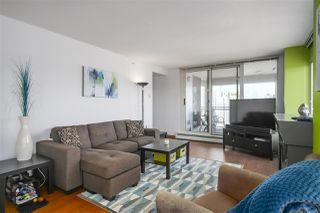 """Photo 10: 2602 183 KEEFER Place in Vancouver: Downtown VW Condo for sale in """"PARIS PLACE"""" (Vancouver West)  : MLS®# R2359164"""