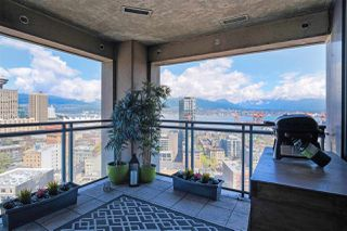 """Photo 8: 2602 183 KEEFER Place in Vancouver: Downtown VW Condo for sale in """"PARIS PLACE"""" (Vancouver West)  : MLS®# R2359164"""
