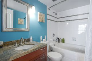 """Photo 16: 2602 183 KEEFER Place in Vancouver: Downtown VW Condo for sale in """"PARIS PLACE"""" (Vancouver West)  : MLS®# R2359164"""