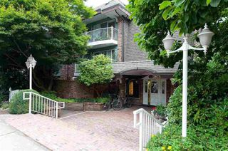"""Photo 2: 120 3875 W 4TH Avenue in Vancouver: Point Grey Condo for sale in """"LANDMARK JERICHO"""" (Vancouver West)  : MLS®# R2366257"""